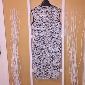 Philosophy black and white dress. No flaws